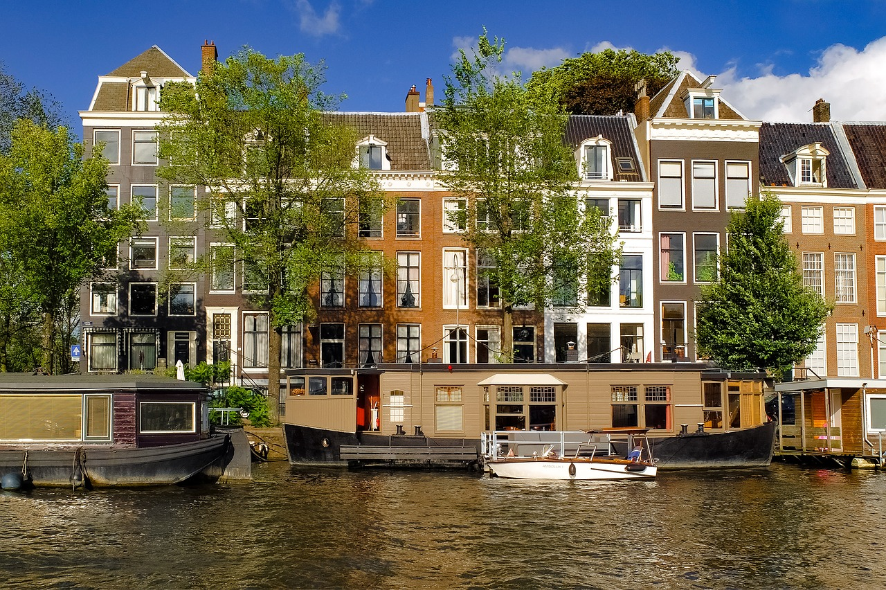Around the world in 10 houses for Mansions around the world