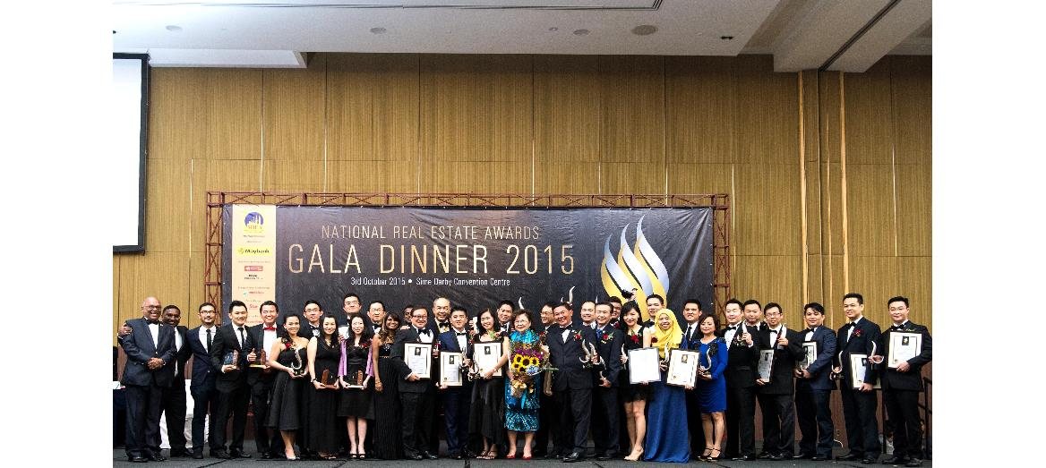 Real estate agents and negotiators celebrate excellence