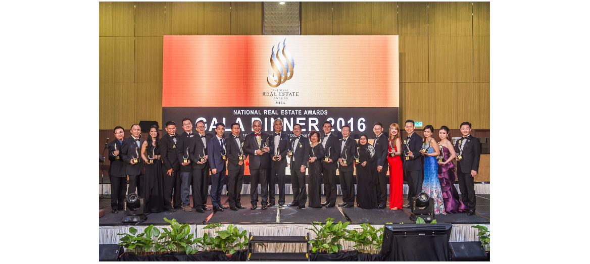 Real Estate Fraternity's Finest Feted At Gala Dinner