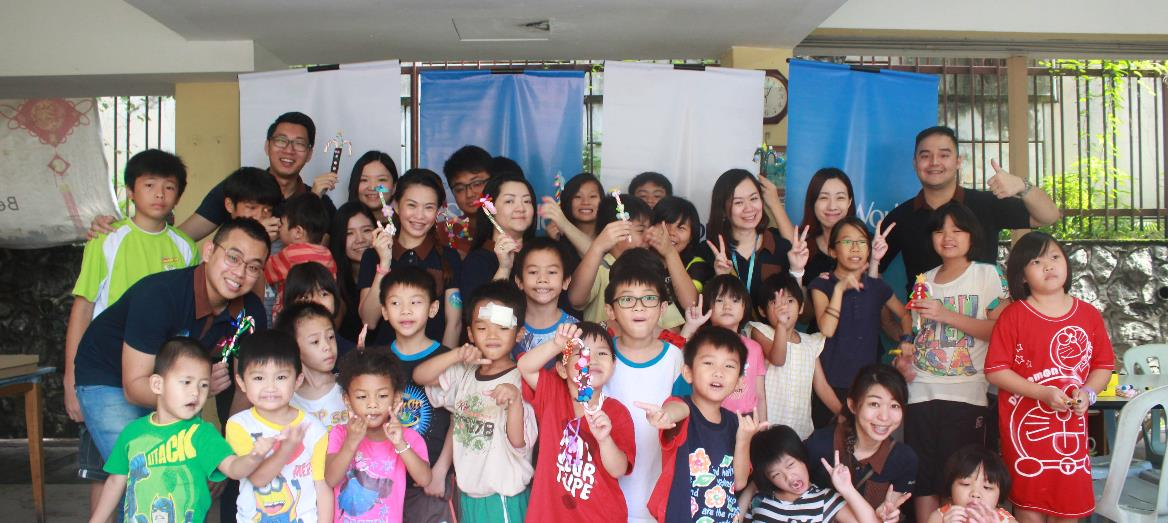 SkyWorld Brings New Year Cheers to Rumah Charis Home
