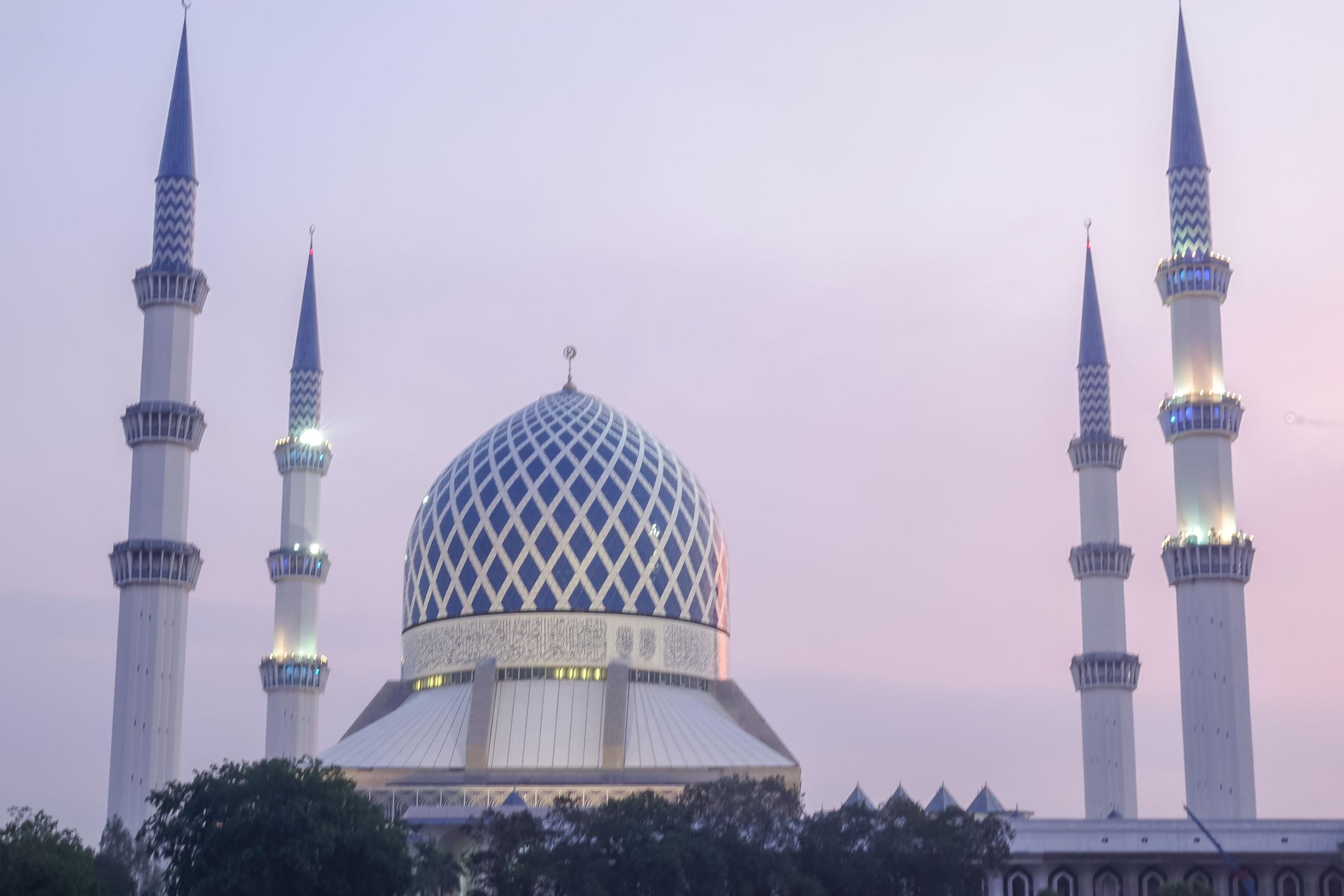 blue-mosque-shah-alam