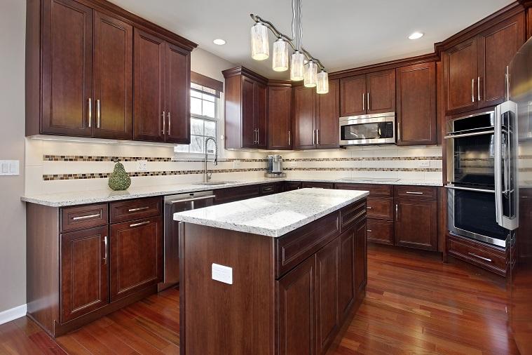 Gambar lampu sorot hiasan yang mewah untuk dapur