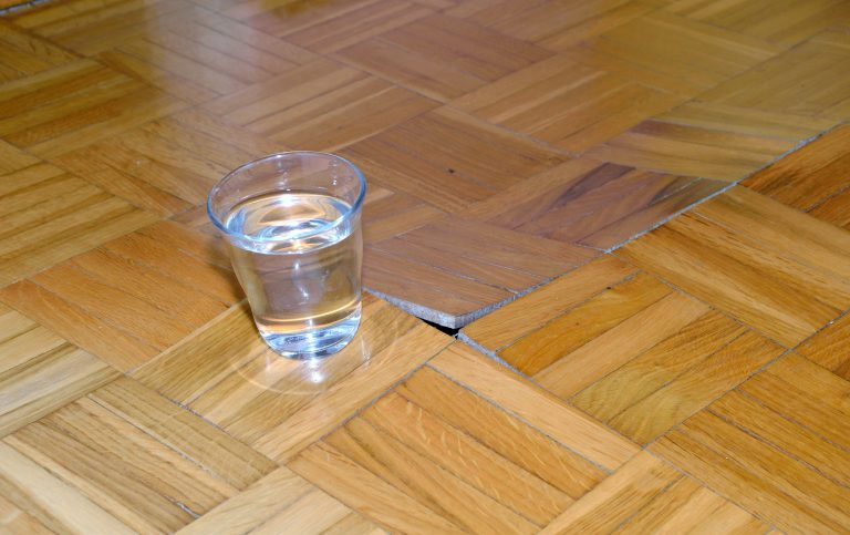 parquet-floor-defect-house