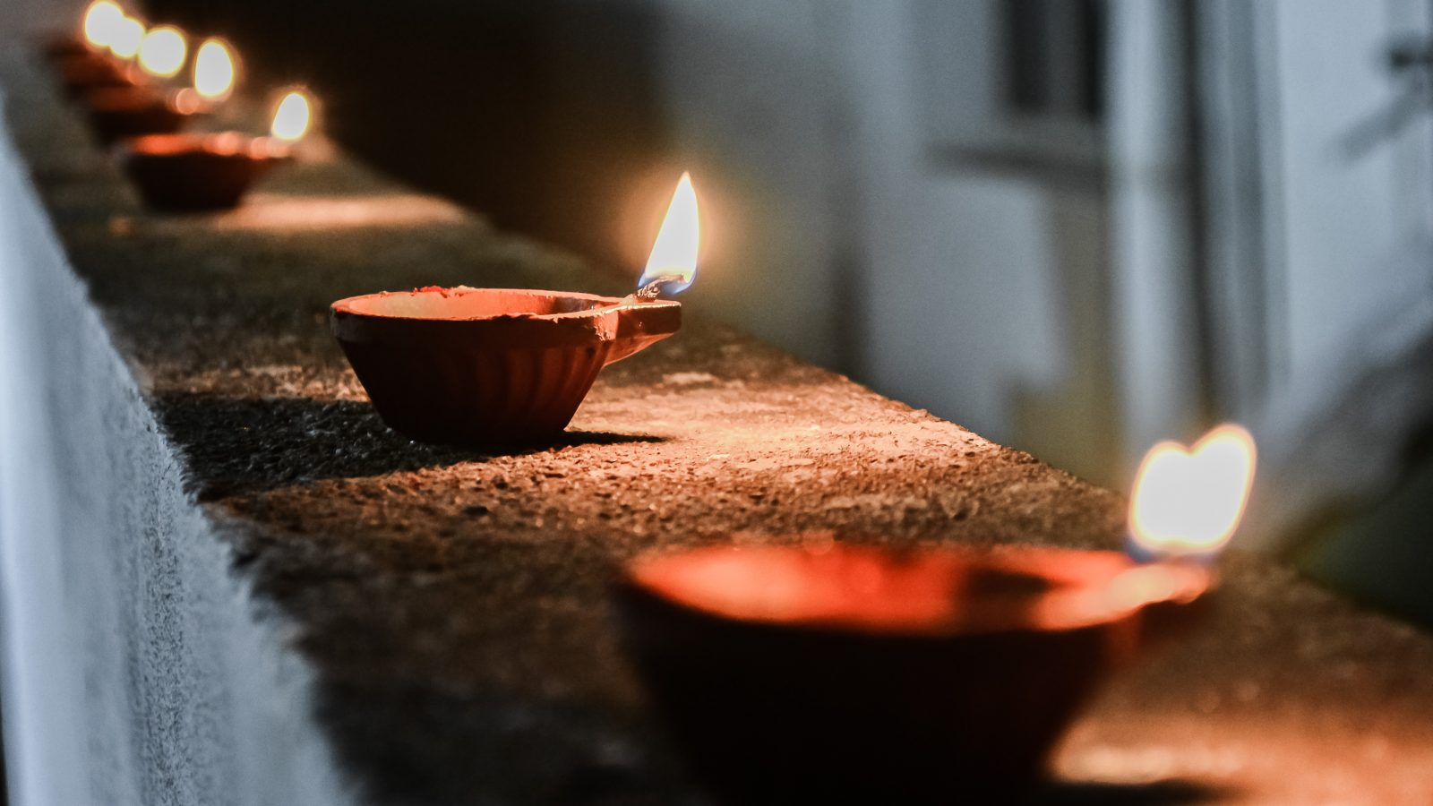 diya-lamp-deeepavali-celebration