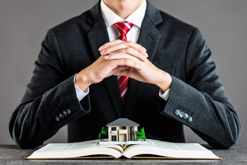 5 things a lawyer can do for you when purchasing a house ...