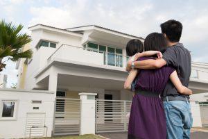 buy-house-malaysia-family