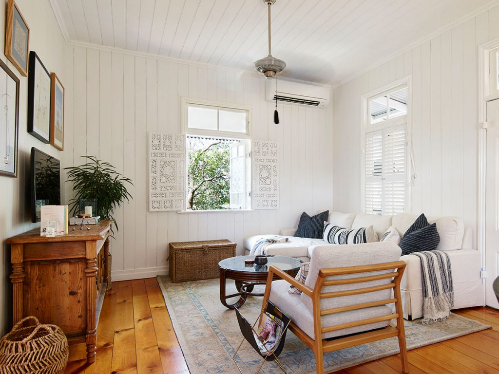 How To Make A Small Living Room Look And Feel Larger Iproperty