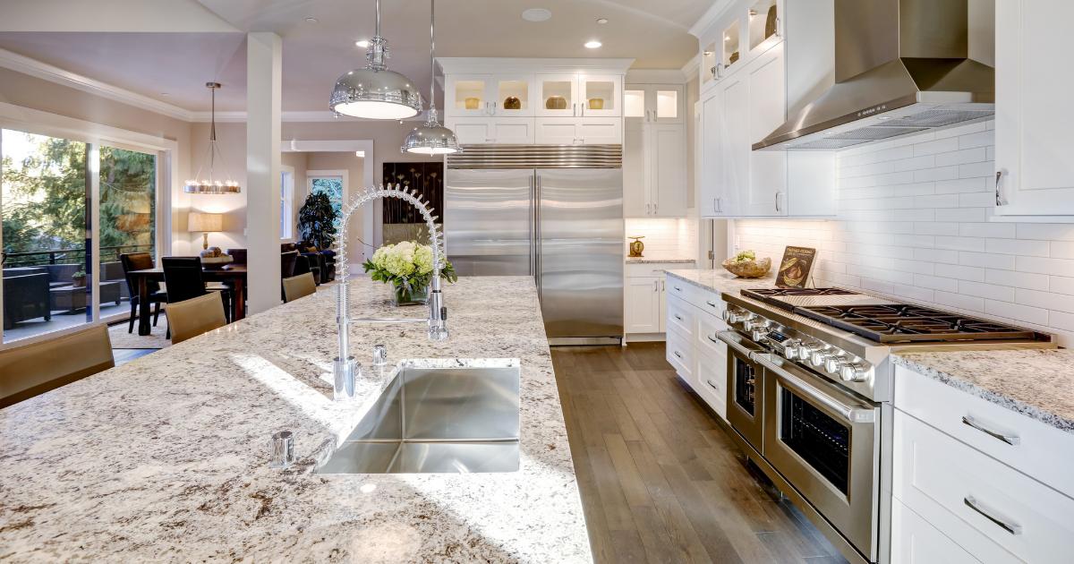 花岗岩、大理石或石英石:你应该选择哪款厨房台面?1