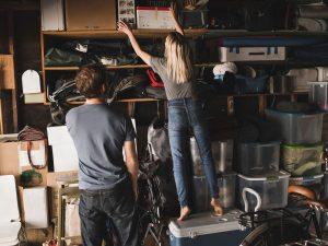 cluttered-garage
