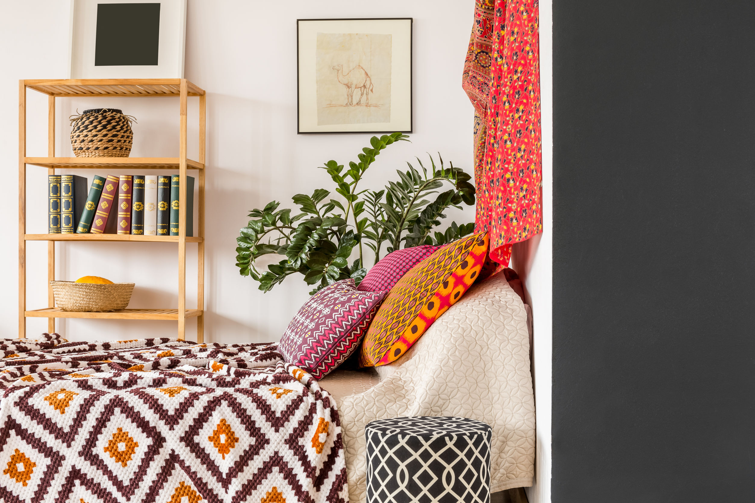 warm-and-cosy-bedroom-in-bohemian-style