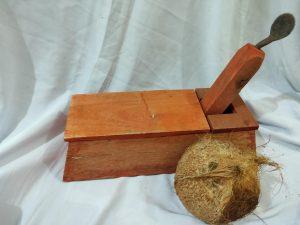 Kukur kelapa, peralatan dapur tadisional yang semakin dilupakan