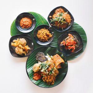 Kepelbagaian makanan di Kuchai Lama