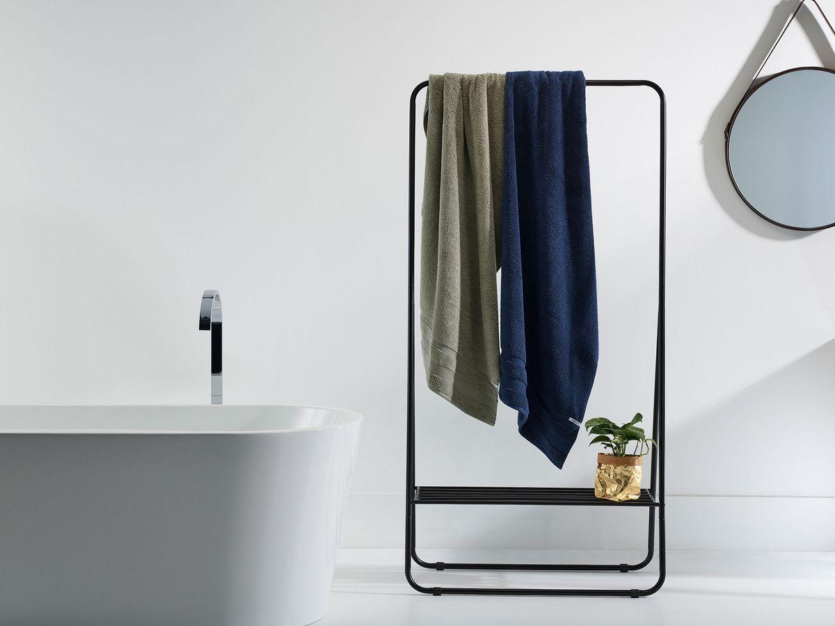 greenery-in-bathroom