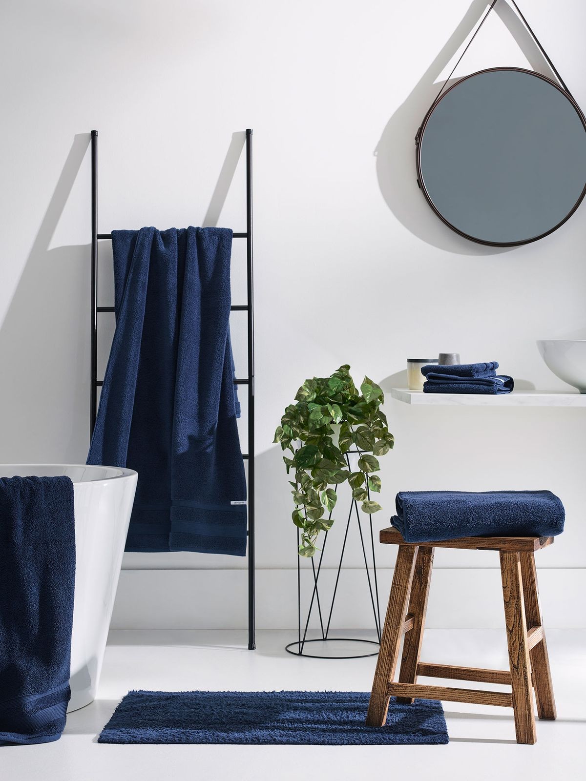 colours-for-small-bathrooms