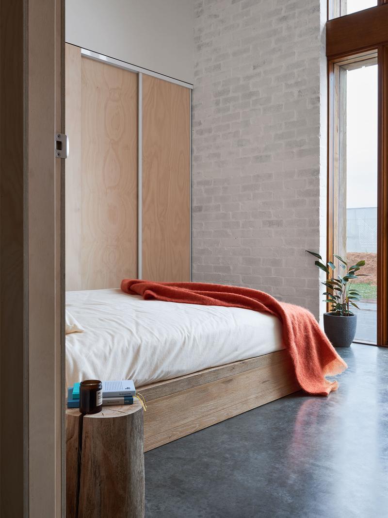 white-bedding