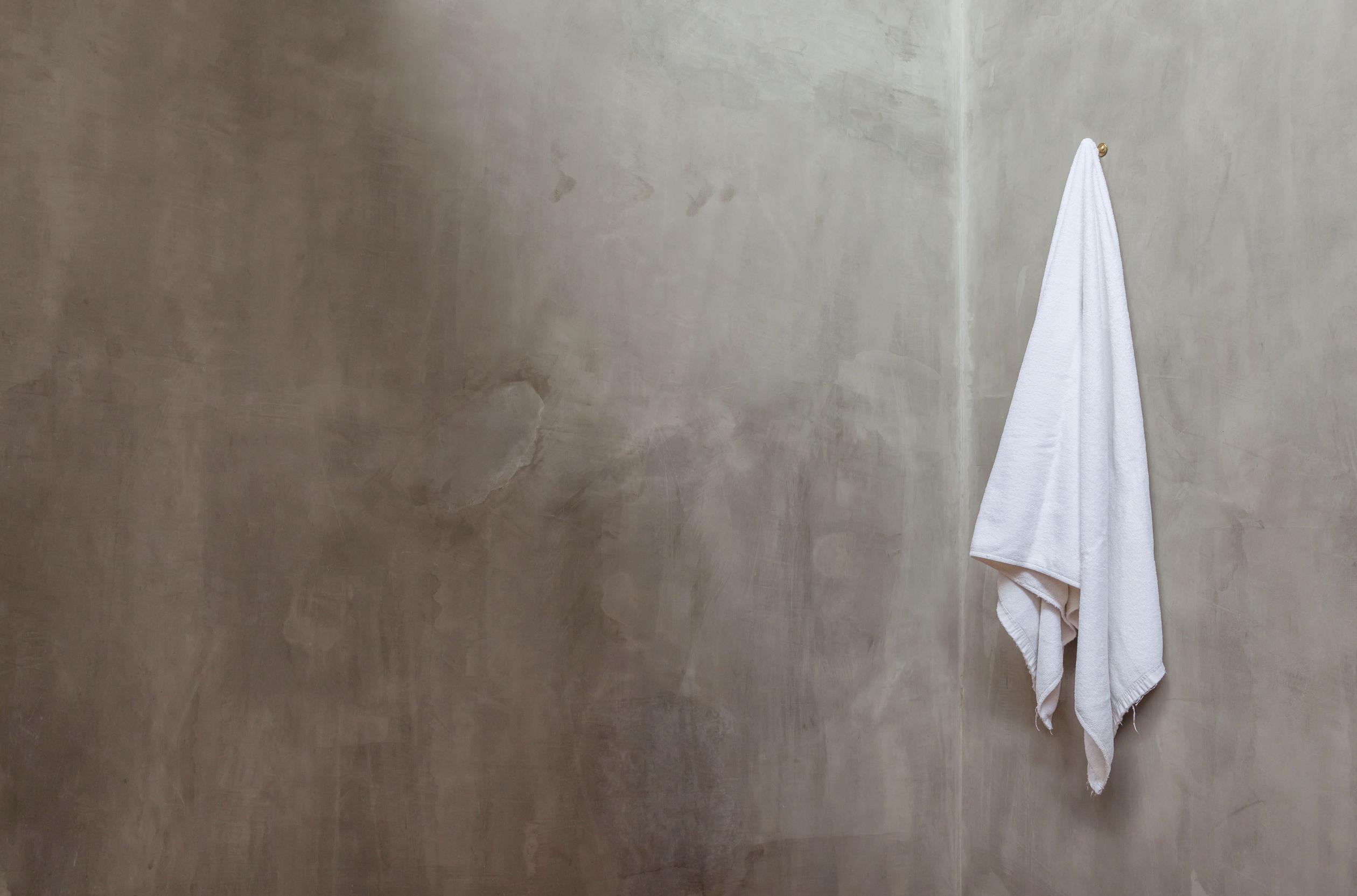 hanging towel