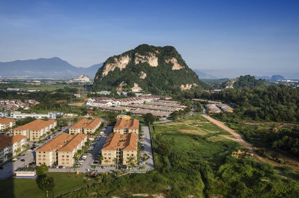 Bernam Jaya is close to the Perak border