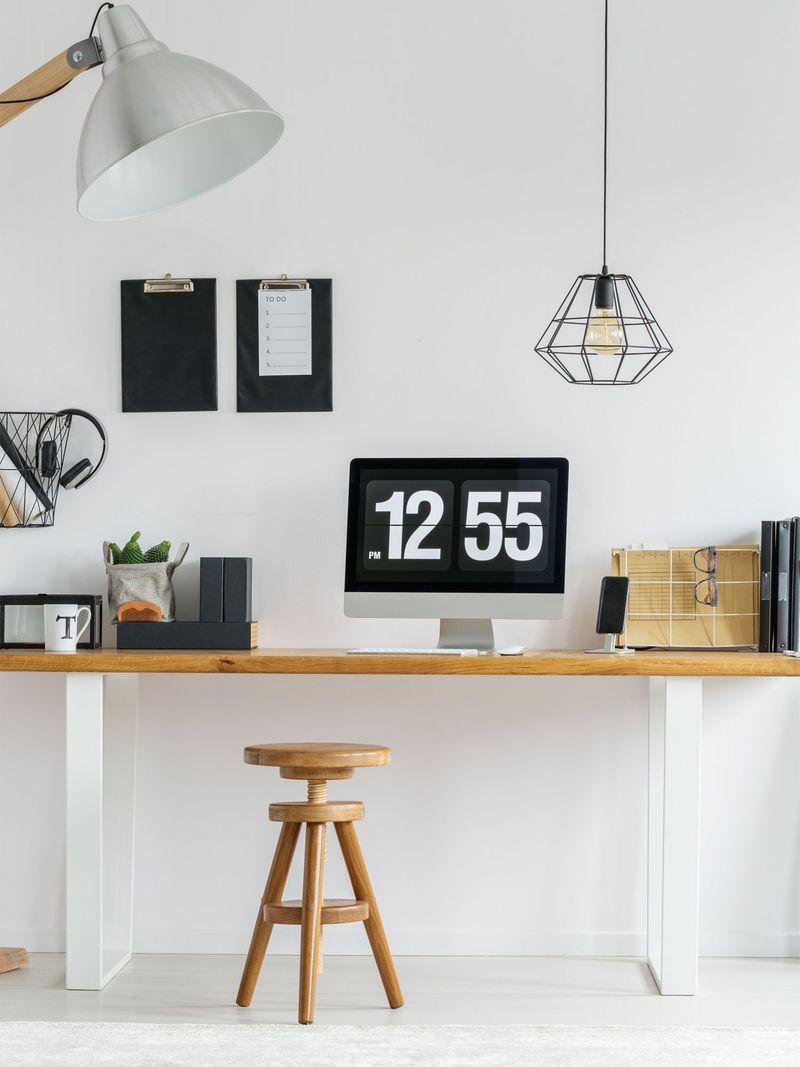 monochrome-office