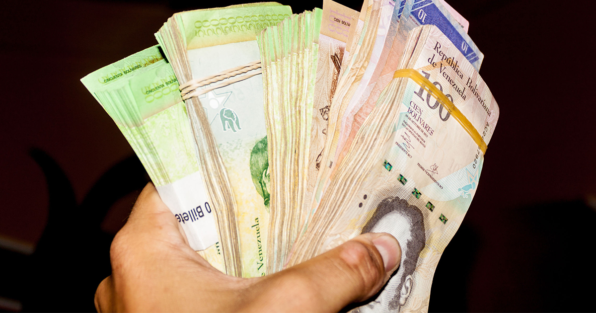 https://www.123rf.com/photo_61148182_stack-of-venezuelan-currency-bolivar-fuerte-is-hold-in-the-hand-due-to-hyperinflation-it-is-necessar.html?term=hyperinflation&vti=mfa2be6h2j4ahf1xut-3-58