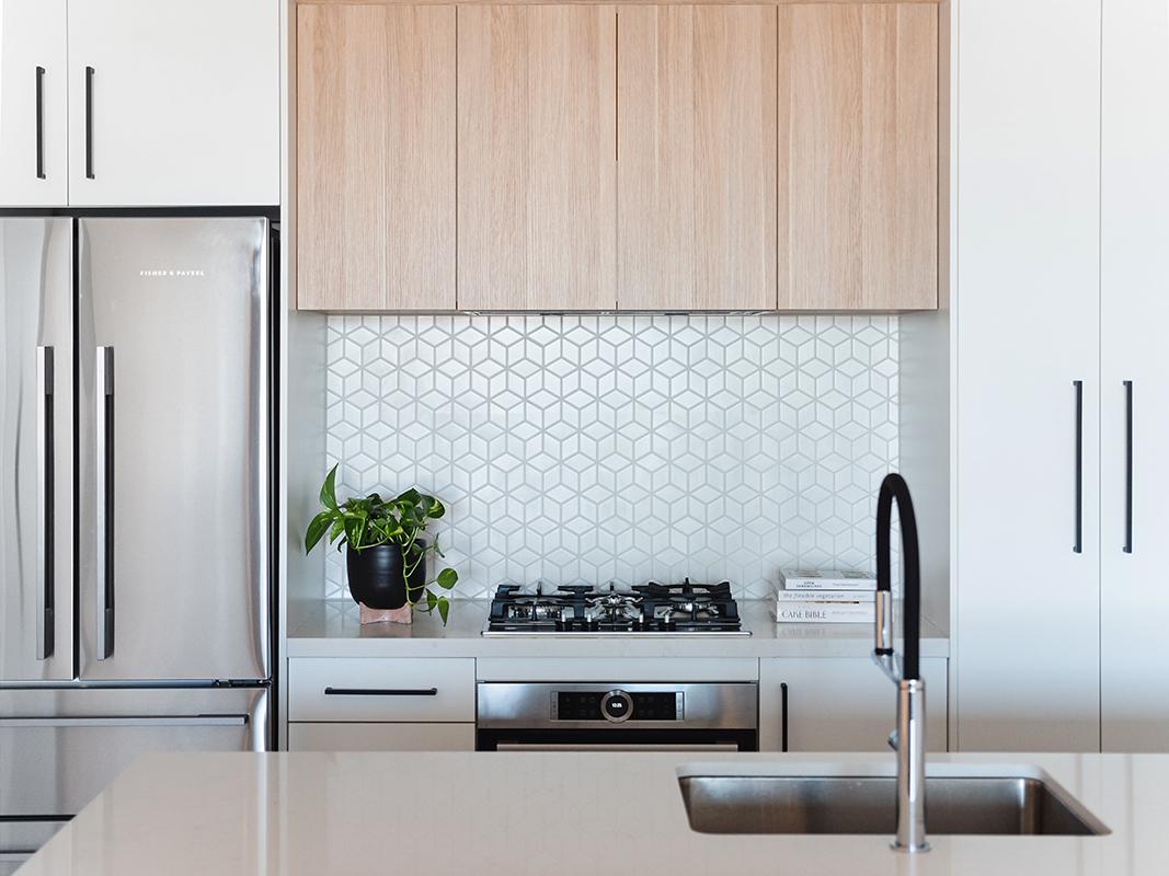 6 easy DIY kitchen ideas anyone can do - Fix new kitchen cabinet door handles
