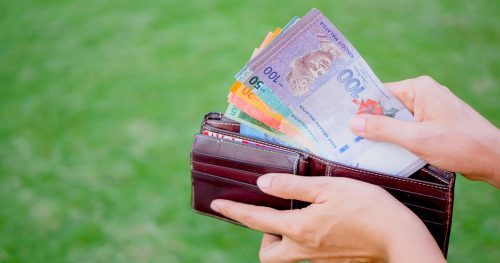 taking out money in ringgit